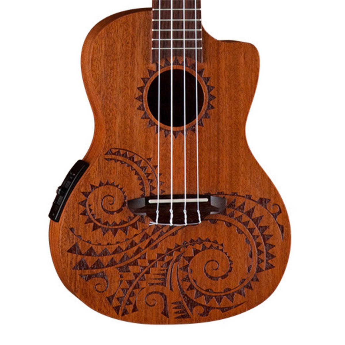tatouage forme de guitare