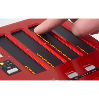 Akai MAX 25 Compact USB/MIDI/CV Keyboard Controller