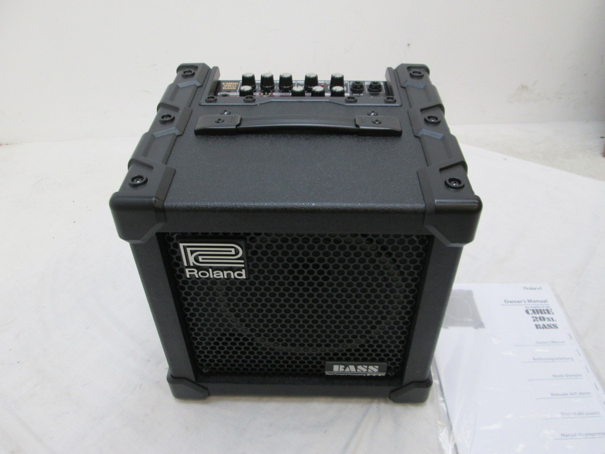 roland cube 20 xl bass amp nearly new at. Black Bedroom Furniture Sets. Home Design Ideas