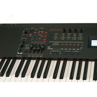 Yamaha S90 XS Keyboard Synthesizer