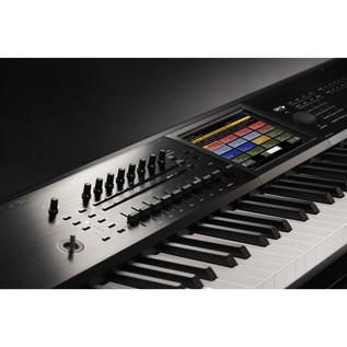 Korg Kronos 61 2015 Music Workstation Including ABS Hardcase