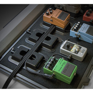 Stagetrix Pedal Riser (Pedals & Pedalboard Not Included)