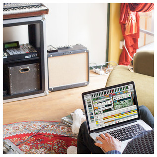 Propellerhead Reason 9 - Laptop Home Photo