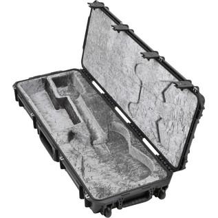 iSeries Injection Moulded Strat/Tele Type Flight Case w/wheels - Side View