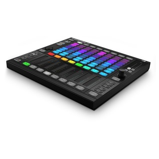 Native Instruments Maschine Jam and Komplete 11 - Maschine Jam Angled