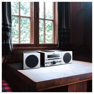 Yamaha MCRB043DWHUK Desktop Micro Hi-Fi System with Bluetooth