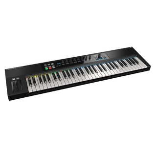 Native Instruments Komplete Kontrol S61 with Komplete 11 - Angled