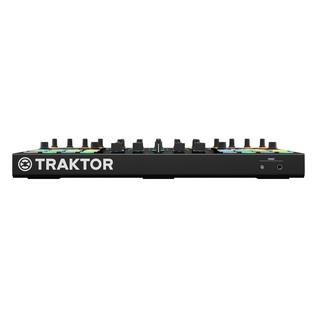 Native Instruments Traktor Kontrol S5 with Denon DN-308 Monitors - Kontrol Front