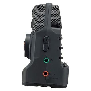 Zoom Q2n Handy Video Recorder - Side