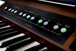 Roland C-200 Classic Organ.5