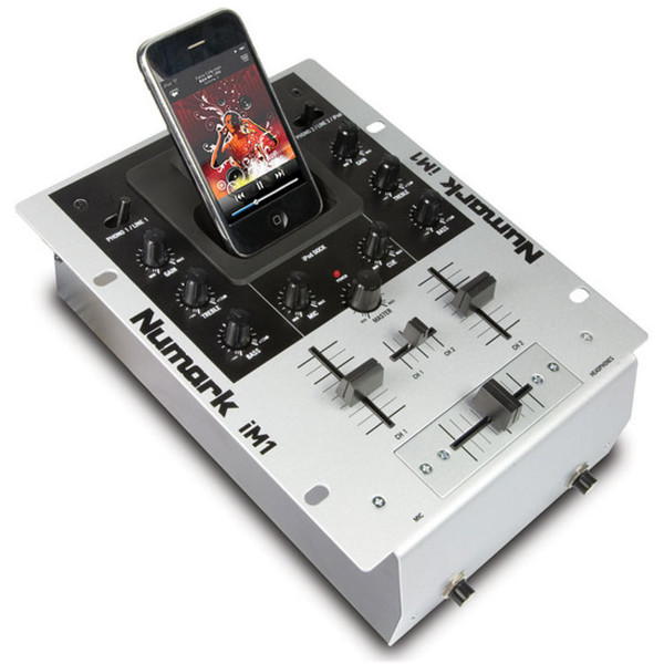 Numark IM1 Compact Scratch Mixer with i Pod dock