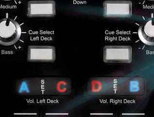 Hercules DJ Console 4-Mx DJ Controller - angle 2