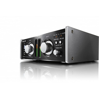 Tascam UH-7000 Preamp